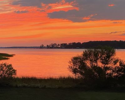 Sunsets on the Mobjack and East River! Bring your kayaks & bikes. - Port Haywood