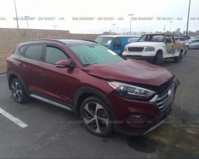 Salvage Red 2017 Hyundai Tucson