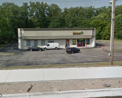 9,000 SqFt Commercial Building Available