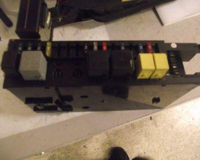 01-09 Merz C-class Fuse Box Relay 0035455201 5dk007974-a228