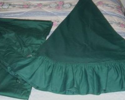 Green Round Table Cloth and Curtain