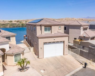 Waterfront Luxury with Private Boat Dock, Elevator, Jaccuzzi - Bullhead City