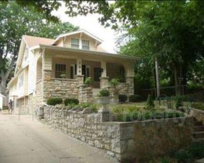 108 Kensington Ave, Kansas City, MO 64123 3 Bedroom Apartment