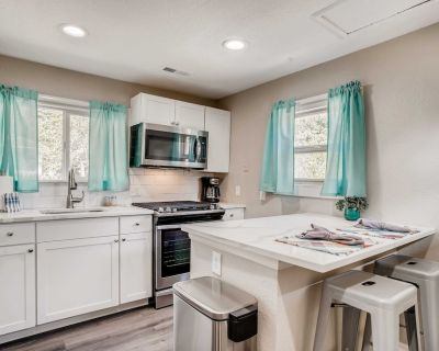 Tiny Home Perfect for Your Denver Stay - Golden