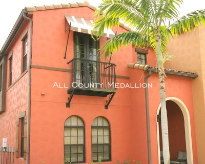 Stunning 3 Bedroom 2.5 Bath fully Furnished Townhouse in the much Sought After Paseo Community