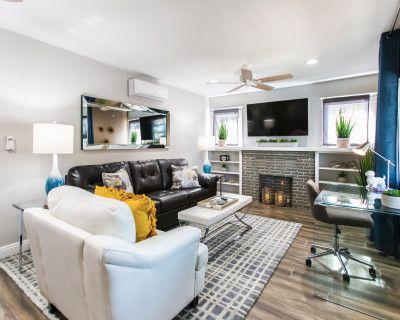 Modern Designer Themed Duplex, Long Beach, CA