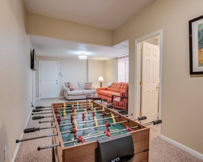 Family Stay Near Downtown Pet-Friendly 4 BR - Old Colorado City