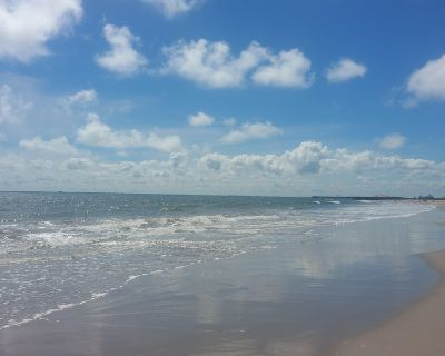 Bike to the Beach Bungalow - Buckroe Beach
