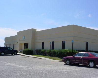 1000-8500 SF of Private Office