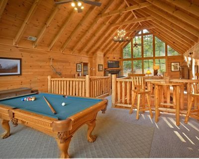 Roomy cabin with hot tub, four fireplaces, pool table, and pool access - Pigeon Forge