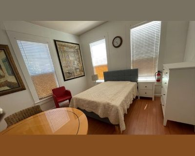 Room for rent in South Claremont Street, Downtown - Room/Free Wifi/ Downtown San Mateo