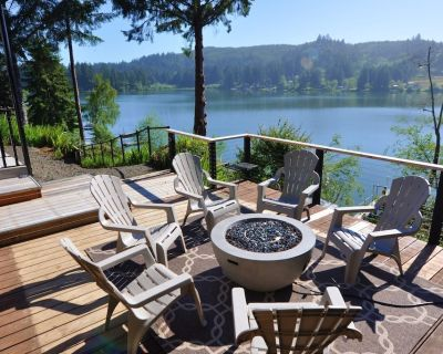 Peaceful Waters! - Private Dock and Jacuzzi! - Dunes City