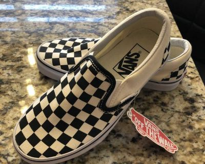 VANS. Never worn ladies size 5 (equivalent to approx 3.5 BOYS)