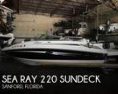 22 foot Sea Ray 220 Sundeck