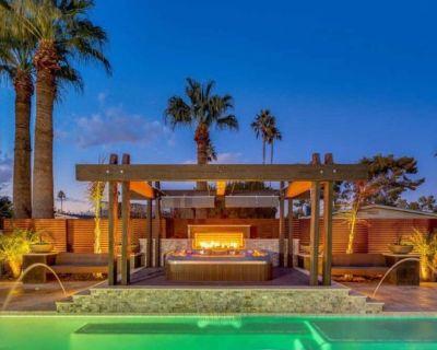 Old Town Scottsdale Oasis with Heated Salt Pool, Hot Tub & Firepit! - Scottsdale Highlands