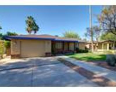 Tempe, Charming 3 bed, 2 bath craftsman style home in the