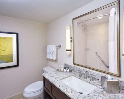 2 Connecting Suites with 2 beds and 2 sofabeds at a Full Service Hotel by Suiteness - Crystal City
