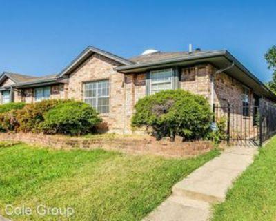 6422 Valleybrooke Ct, Arlington, TX 76001 3 Bedroom House