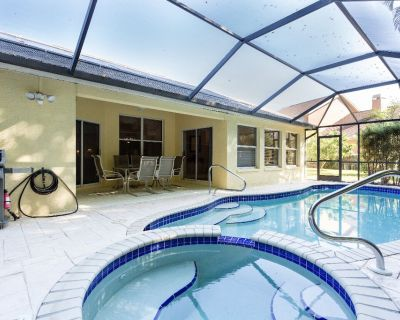 Serene & Attractive Pool Home Ideal Location - Gulf Beaches, Restaurants, Shops - Fountain Lakes