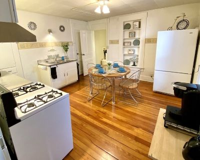 Charming 1Bed/1Bath Apartment (1st floor) *Extended Stay* - West Carrollton