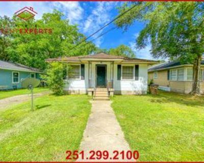 65 Lefevre St #1, Mobile, AL 36607 3 Bedroom Apartment