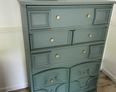 Vintage Dresser chest of drawers and nightstand bedroom set