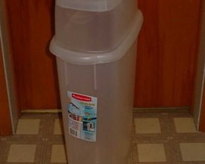 Barely Used Rubbermaid Wrap N' Craft Clear Vertical Storage Container. Stores Up To 20 Rolls Of 30 Wrapping paper. Includes A Snap Tight...