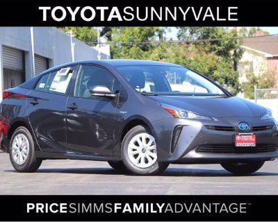 2021 Toyota LE