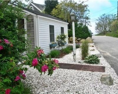 Steps To Bay at Campground Beach, A/C, Heat,Wifi, Outdoor Shower, Gas Grill - North Eastham