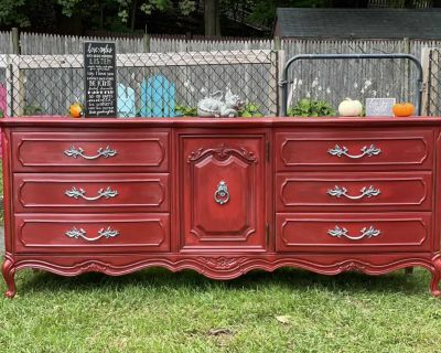 Solid wood 9 draw dresser/buffet