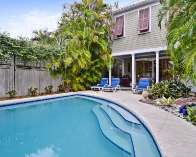 AMELIA HOME Spacious Private Home with Private Pool, BBQ Grill + Pet Friendly - Uptown - Upper Duval
