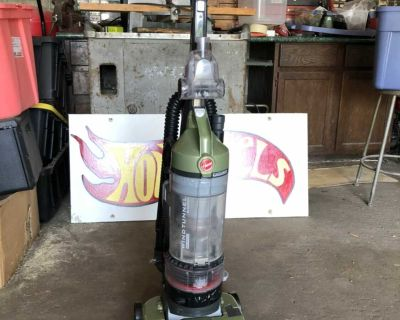 Hoover Wind Tunnel Rewind T Series Vacuum with UpholsteryTool