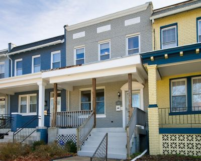 The Gray House by Gallaudet 4BR - Trinidad