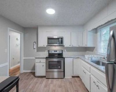 Room for Rent - a minute walk to bus 74, Decatur, GA 30034 1 Bedroom House