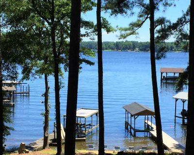 Sandy Beach, Main Lake, Deep Water and Dog friendly! - Henrico