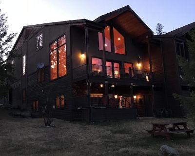 Whitefish Mountain Ski Resort ski in ski out, Luxury 3500 sq ft townhouse - Whitefish