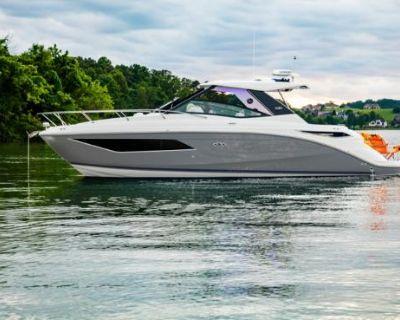 2021 Sea Ray 320 Sundancer