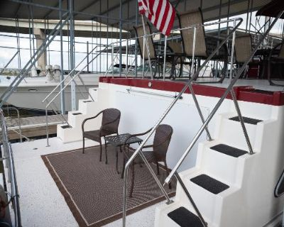 1990 Custom House Boat