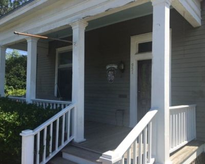 Midtown Classic: A Spacious Home for Your Visit - Mobile