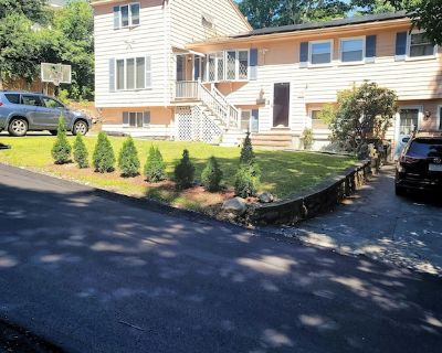 In-law, hot tub, a/c, kitchen, - Saugus