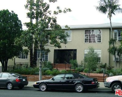 Master Bedroom for Rent in 3bd/2br WeHo Apartment