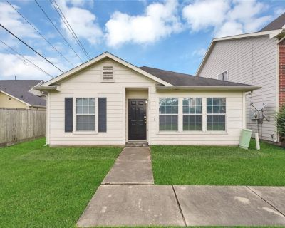 1513 Nichole Woods Drive, Houston, TX 77047