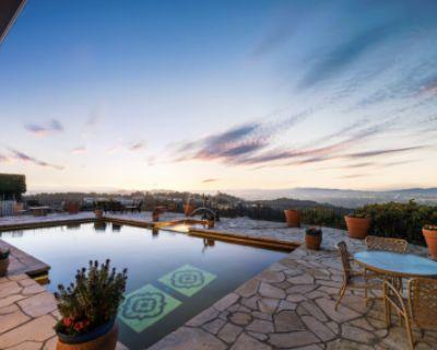 Cozy Mid Century Garden with Breathtaking Views, Los Angeles, CA
