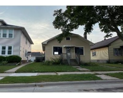 2 Bed 1 Bath Preforeclosure Property in Racine, WI 53403 - Thurston Ave