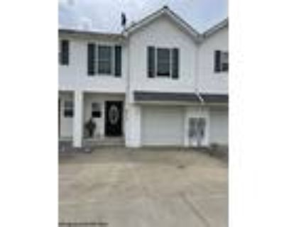 Spectacular Townhouse in Pleasant Valley WV