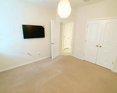$600 per month room to rent in Oakland Estates available from September 20, 2021
