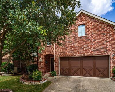 205 Chester Dr, Lewisville, TX 75056