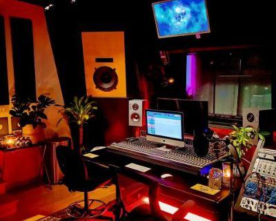 Music Recording Studio in Hills with Scenic View - Studio A, Studio City, CA