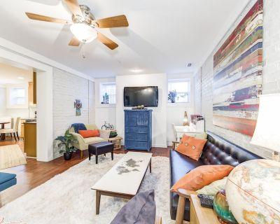 Modern 2 bedroom 1 bath flat- midtown Indianapolis - Fall Creek Place