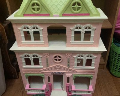 Fisher Price My Loving Family Doll House